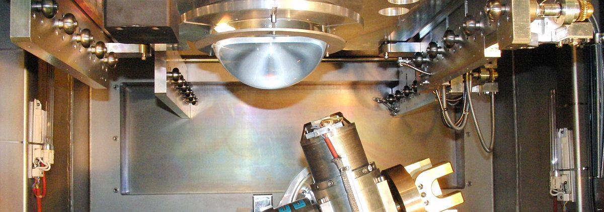 Ionen-Ätzanlage zur hochpräzisen Oberflächenpolitur in der Optischen Industrie